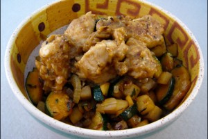 Erdnusshaehnchen mit Gemuese