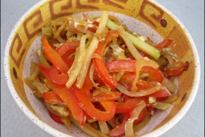Paprika-Kohlrabikraut