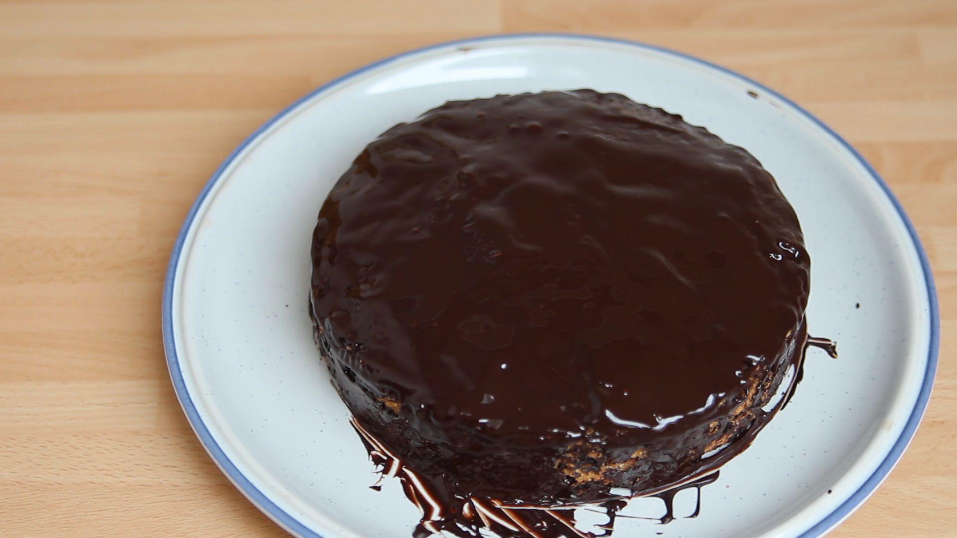 schokoladenkuchen glutenfrei und laktosefrei video urgeschmack. Black Bedroom Furniture Sets. Home Design Ideas