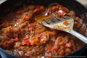 Zwiebel-Tomatensoße